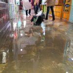 بی توجهی شهردار به درخواست شهروندان/پاساژ ولیعصر همچنان زیر آب